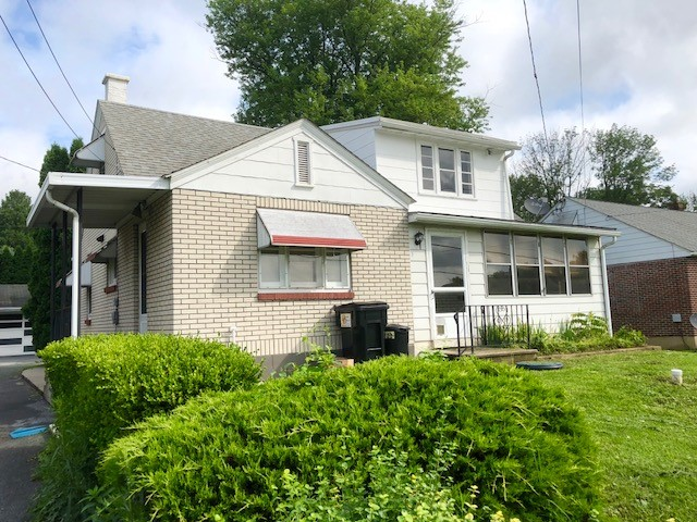 2014 Friedensburg Rd – 3Bd 1.5 Ba Country Cape in the Oley Valley